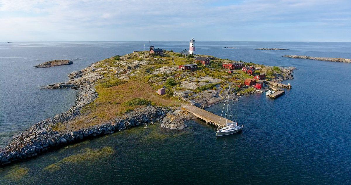 Torskär with the Söderarm lighthouse